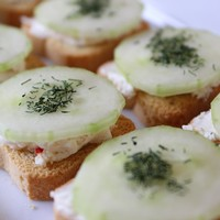 Herbed Cheese Spread with Cucumber & Dill